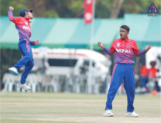 नेपालं मलेसियायात बिल १४१ रनया लक्ष्य
