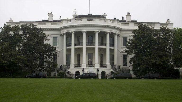 कोरोनां अमेरिकाय् साढे २ लाख मनूतयेगु मृत्यु जुइगु ह्वाइट हाउसया अनुमान